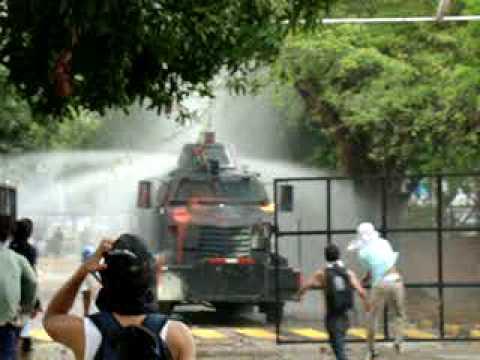 TROPEL 5/10/09 ...y llovieron molochas y TRONARON PAPAS!!!!