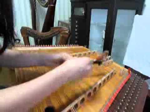 不思議な楽器、ツィンバロム(②木のバチ)