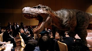 "Like ""Jurassic Park,"" Japan unveils dinosaur robots"