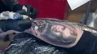 Metallica's Cliff Burton Lives on in this tattoo(Watch Marek Maras Rydzewski as he tattoo's Cliff Burton of Metallica onto his human canvas., 2015-10-08T14:13:07.000Z)