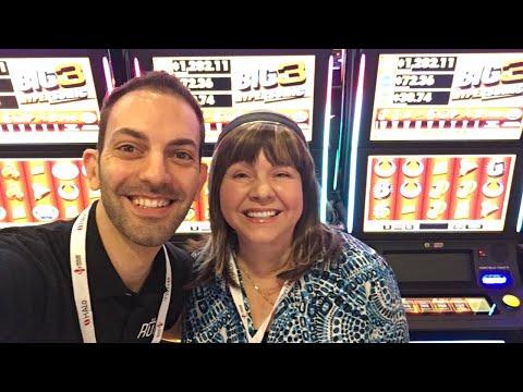 🔴 LIVE at G2E ✦ w/ IT - Incredible Technologies ✦ Las Vegas Slot Machine Pokies