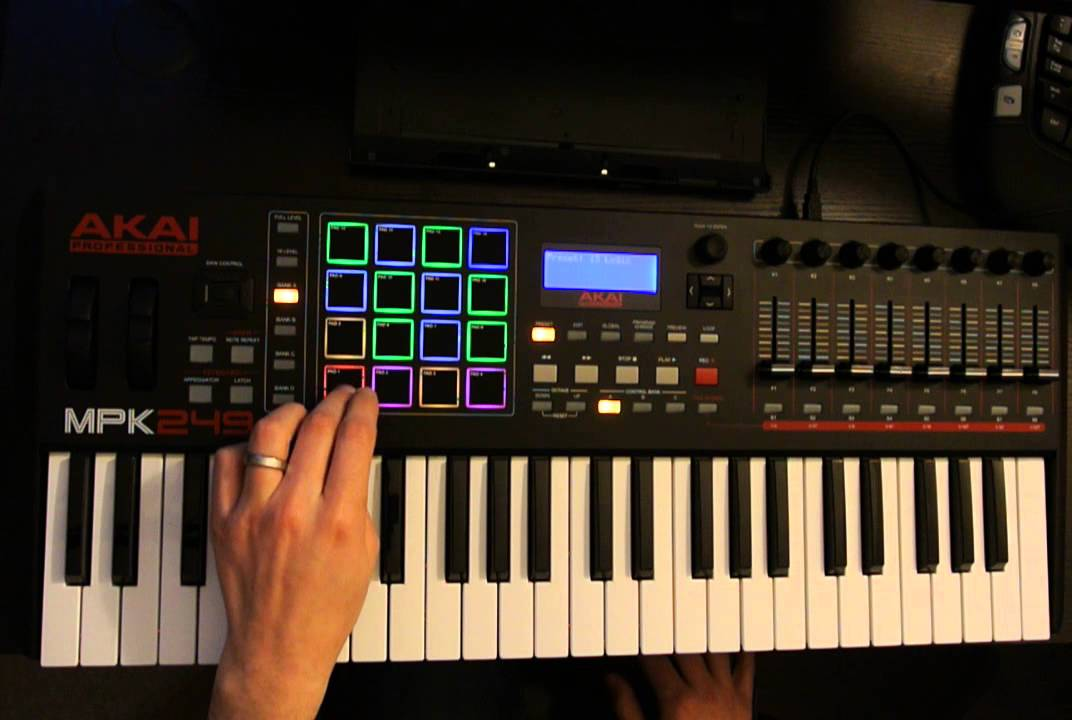 Akai MPK49 Review 2018- Is it worth your money?- Digital Piano