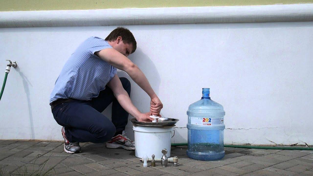 Заказать питьевую воду в бутылях 19л. Хорошая идея – заказать воду из глубокой скважины, находящейся на заповедной территории. И сделать это просто. Позвонить +7 (863) 204-26-68 или воспользоваться кнопкой « оформить заказ» на странице нашего сайта. Наша компания принимает заказы на.