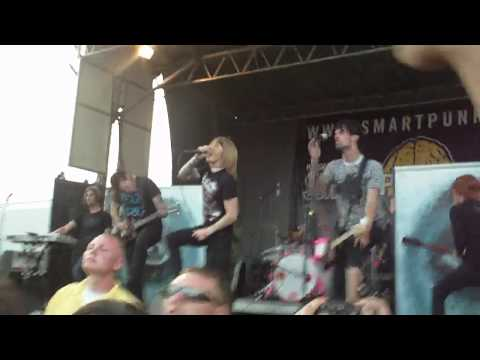 HD A Skylit Drive-Wires and the Concept of Breathing (Warped Tour 2009) Ventura,CA