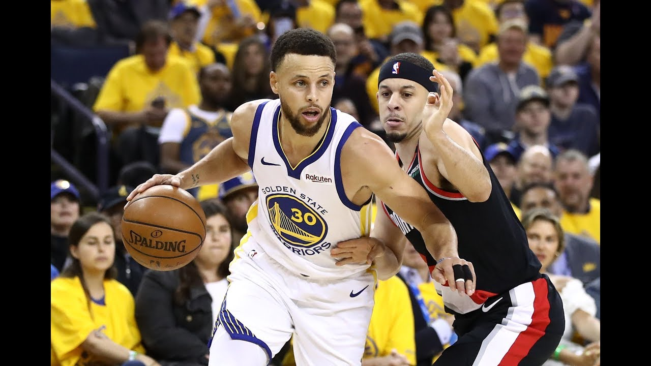 a0076eb74 Stephen Curry Wasn t Used To Seeing Mom Wearing A Portland Trail Blazers  Jersey