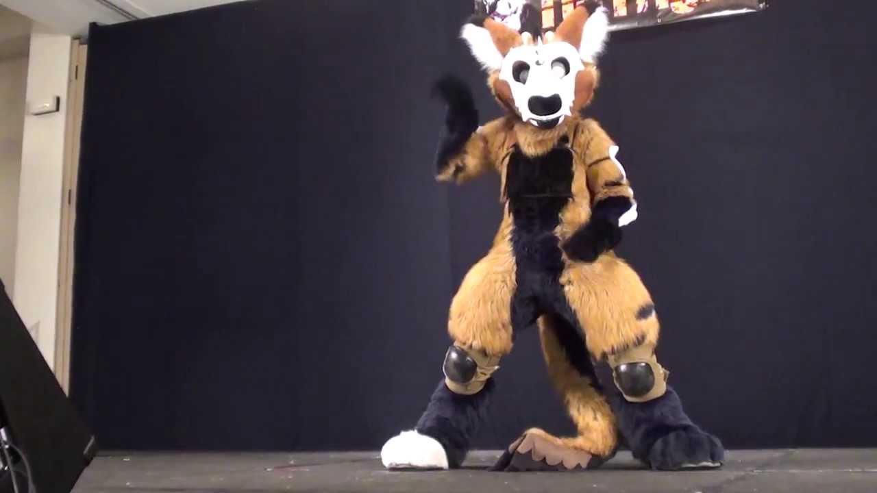 Anthrocon 2012 - Fursuit Games - Part 1 - YouTube
