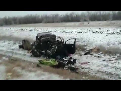 В страшном ДТП под Оренбургом погибли шесть человек.