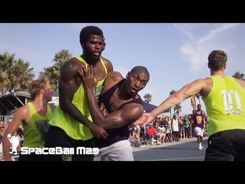 Metta World Peace playing street ball in Venice Beach