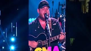 Luke Combs - When It Rains It Pours (CMA Fest 2018)