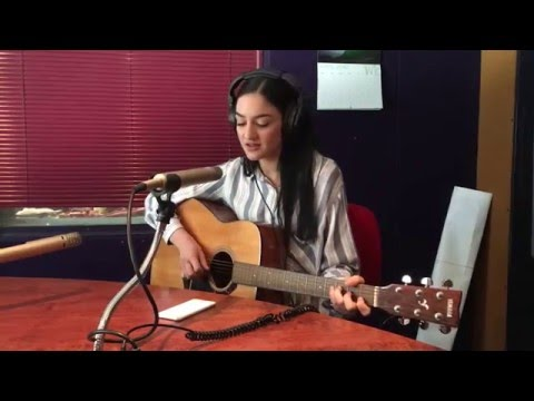 Louise Corbett acoustic version of Zayn's Pillowtalk