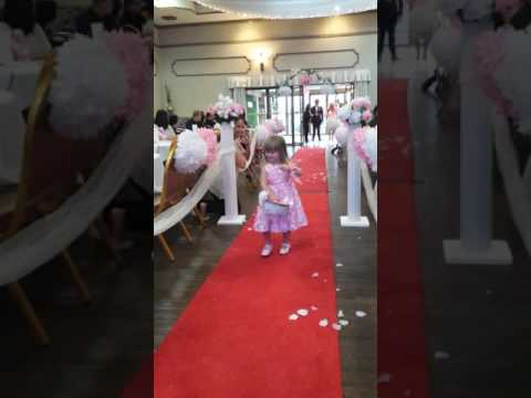 Cutest flower girl entrance ever! - YouTube