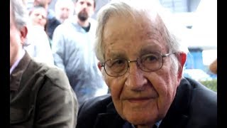 Chomsky: Lula Is Brazil's Rightful President, Which Is Why He's In Prison