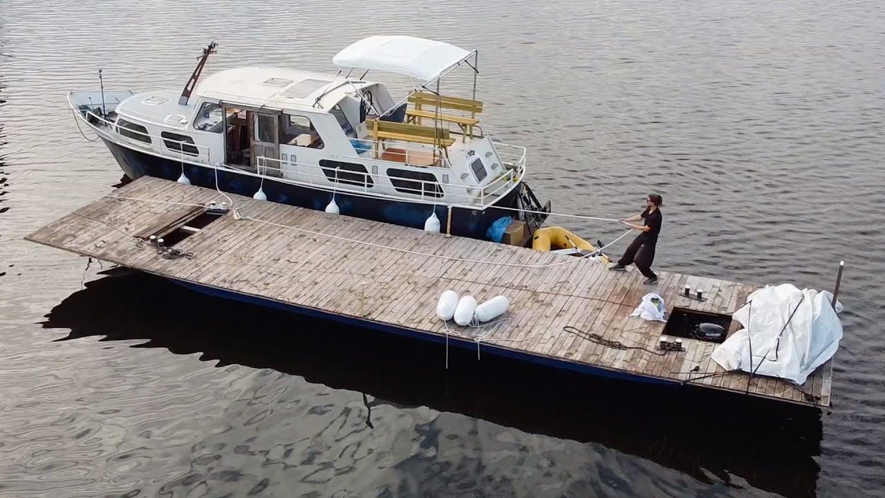 Docking my Boat at my NEW Plattform on the Water - Ep. #37 - Vintage Yacht Restoration Vlog