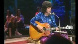 Donovan in Concert - Catch The Wind