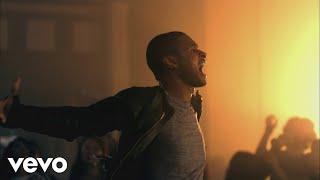 Download Usher - DJ Got Us Fallin' In Love (Official Music Video) ft. Pitbull