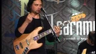 Антон Горбунов 4/8 урок по бас-гитаре 1-02-2009 LearnMusic