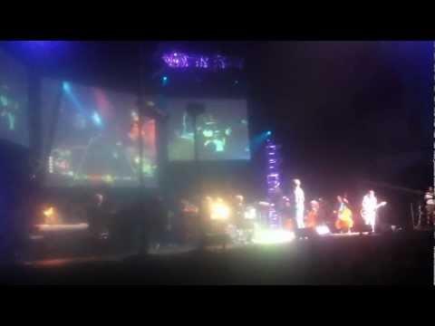 Jordan plays Pretender: Foo Fighters - Feat. Tommy Tallarico