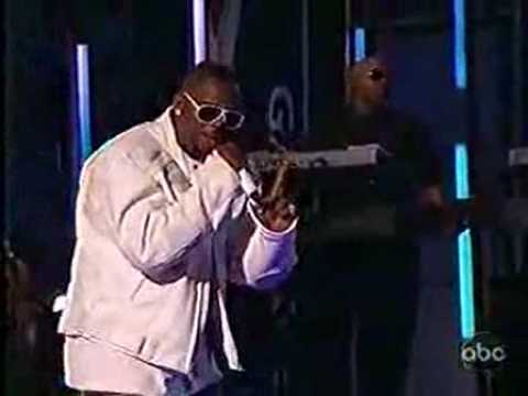 R. Kelly ft. Keri Hilson - Number One -- LIVE -- HQ
