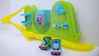 きかんしゃトーマス おふろDEミニカー Thomas and Friends / Changes in Cold Water!! Thomas the Tank Engine Bath Toys thumbnail