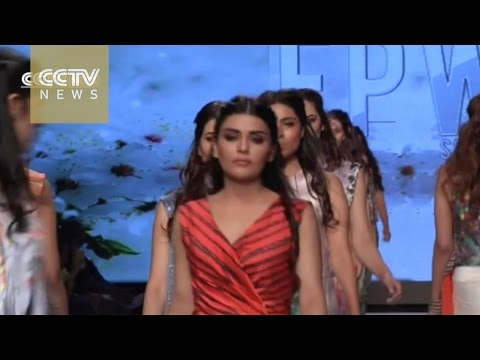 2015 Pakistan Fashion Week kicks off in Karachi