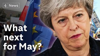 Brexit deadlock: May holds talks at Chequers amid coup speculation