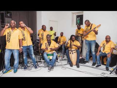 Corona Band - Kom Uit De Kast