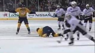 Francois Beauchemin levels Mike Fisher [HD]