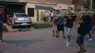 Las trompetas la rompen