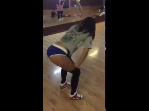 My freestyle/ Booty dance/twerk by Keat Mel!