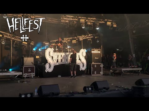 Youtube: Svinkels – Dj Pone solo (LIVE @ Hellfest)
