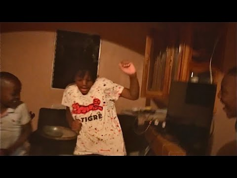 Dance Battle to New Wave 2 by EliYahu Chozenfew feat. DoItForTheNation