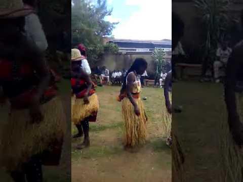 Danse Culturelle Du Peuple NANDE (YIRA)/RDC. Titre: Maina
