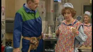 Dinnerladies - Series 1 - Episode 3 - Part 1