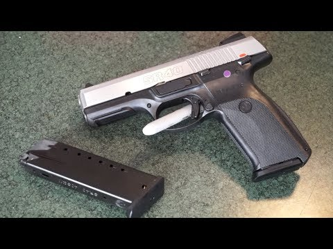 Ruger SR40 .40 S&W pistol tabletop review!
