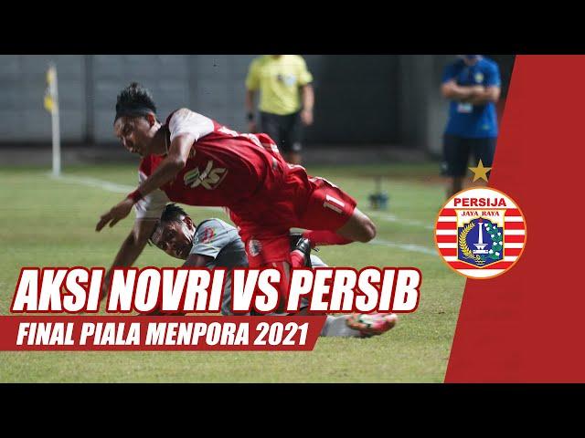 Aksi Novri Setiawan vs Persib Bandung di Final Piala Menpora 2021