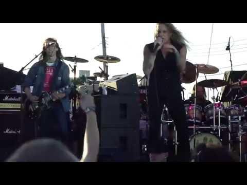 SEBASTIAN BACH - Kicking And Screaming - Stone Pony New Jersey 2011