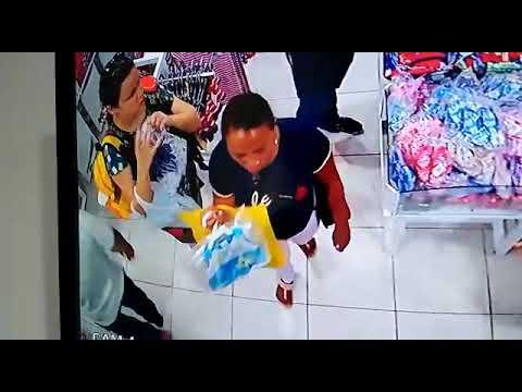 Câmeras de segurança flagram furto em loja no centro da Capital; assista