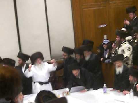 Sanz-Klausenberg Purim Tish 5770
