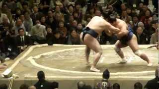 20130113 大相撲初場所初日 鶴竜vs妙義龍.