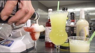 Making mixed drinks insanely easy with the Little Snowie 2 Ice Shaver!