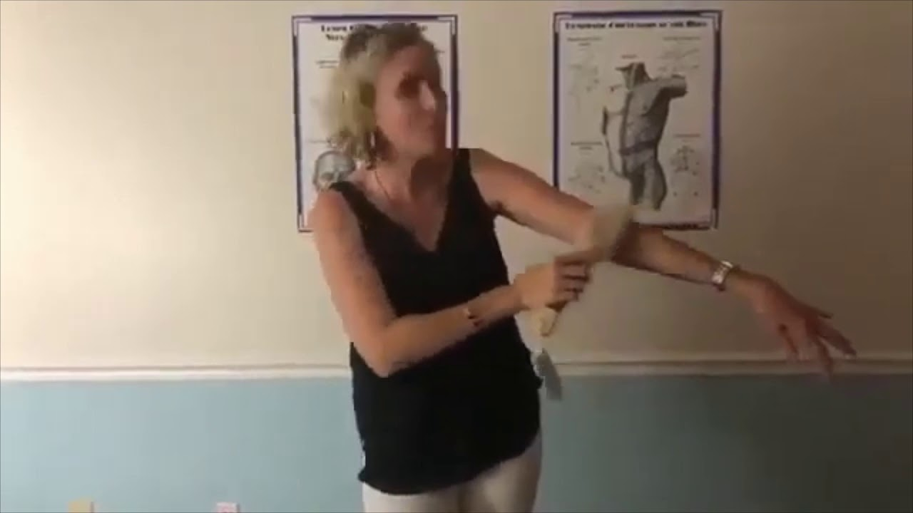 Proper Dry Brushing with Kelly Kennedy
