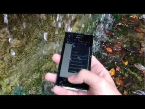 Тест Sony Xperia V в воде (water test): дождь, съемка в бассейне