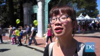 Student protestors block Sather Gate on Cal Day