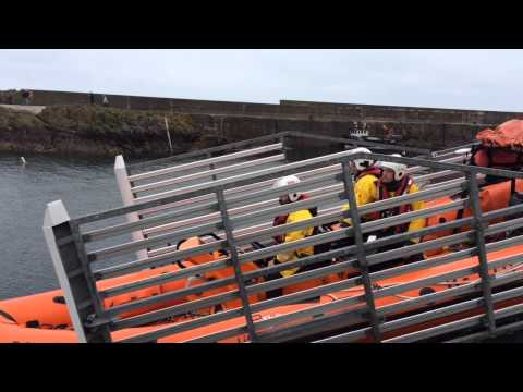Final Boat leaving St Abbs station