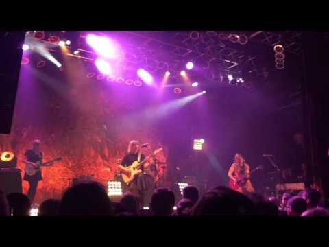 """sleater-kinney-""""all-hands-on-the-bad-one""""-live-at-the-house-of-blues-cleveland,-12.09.15"""