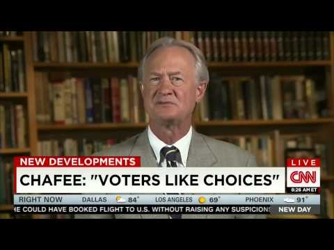 """Lincoln Chafee On Clinton Email Scandal: """"It"""