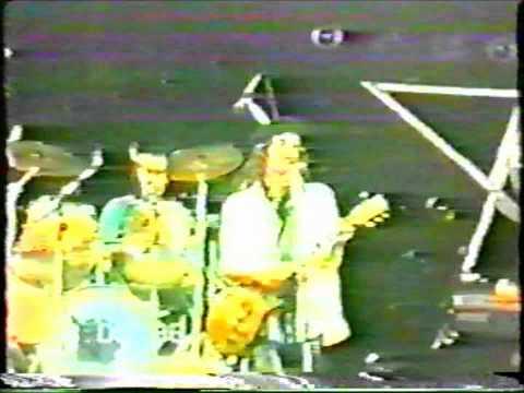 Waterboys - Glastonbury Festival   June 20 1986 [28:13 min]