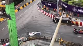 """بالفيديو.. كسر في العمود الفقري لألمانية فقدت السيطرة على سيارتها في سباقات """"فورمولا 3"""""""