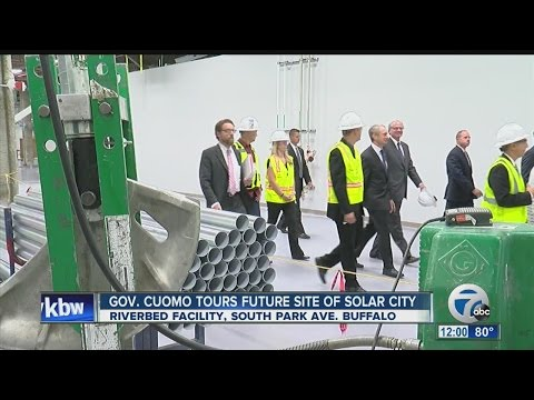 Governor Andrew Cuomo tours SolarCity plant, calling it the