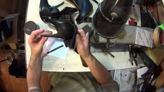 Ремонт голенища сапога. Собачьи проделки. Про сапожный молоток.(, 2014-10-29T09:30:10.000Z)